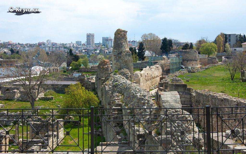 Вид на крепостные стены
